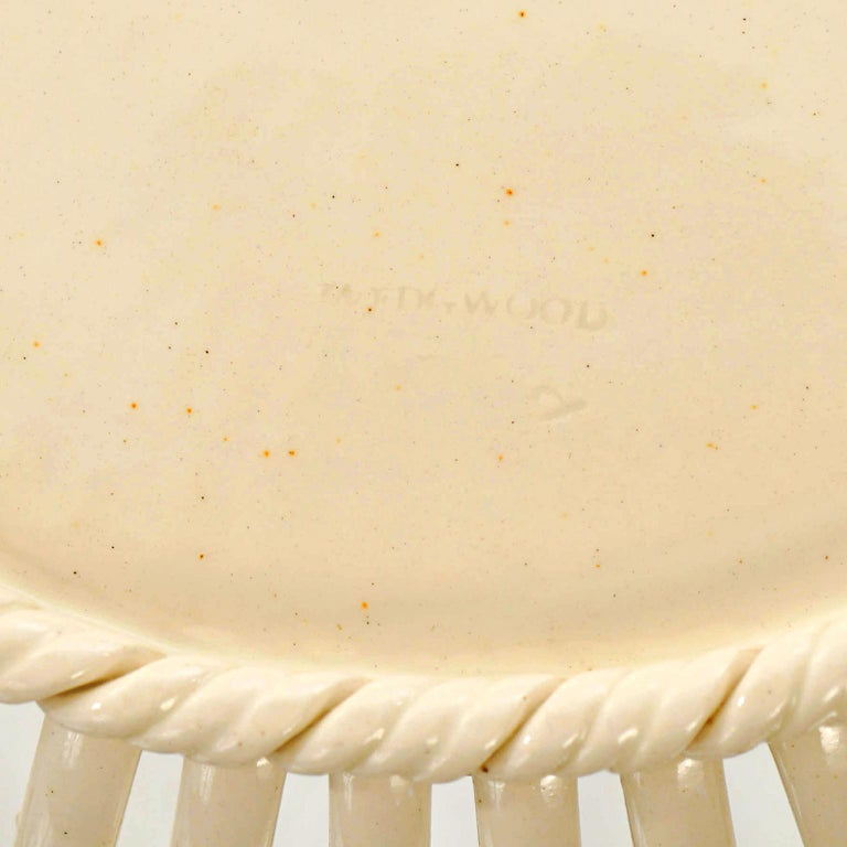 Late 18th Century Pair of Wedgwood Creamware Chestnut Baskets and Underplates For Sale