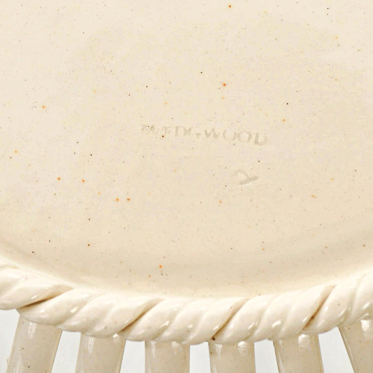 Porcelain Pair of Wedgwood Creamware Chestnut Baskets and Underplates For Sale
