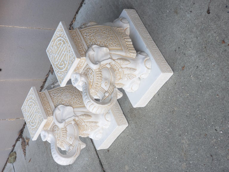 Pair of White and Cream Elephant Garden Seat In Good Condition For Sale In Kilmarnock, VA