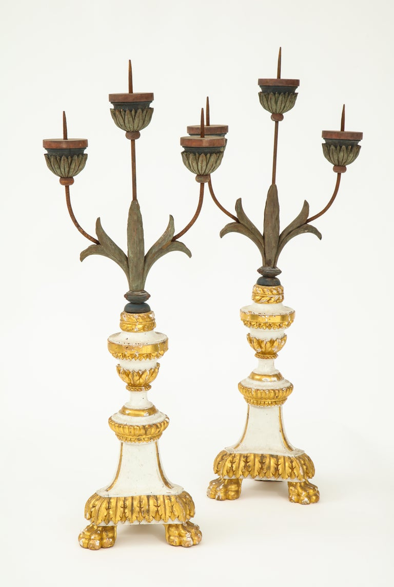 Pair of White and Giltwood Pricket Altar Candlesticks In Good Condition For Sale In New York City, NY