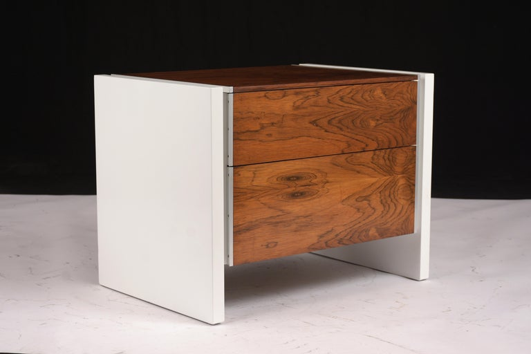 Mid-20th Century Pair of White Lacquered Glenn California Nightstands For Sale