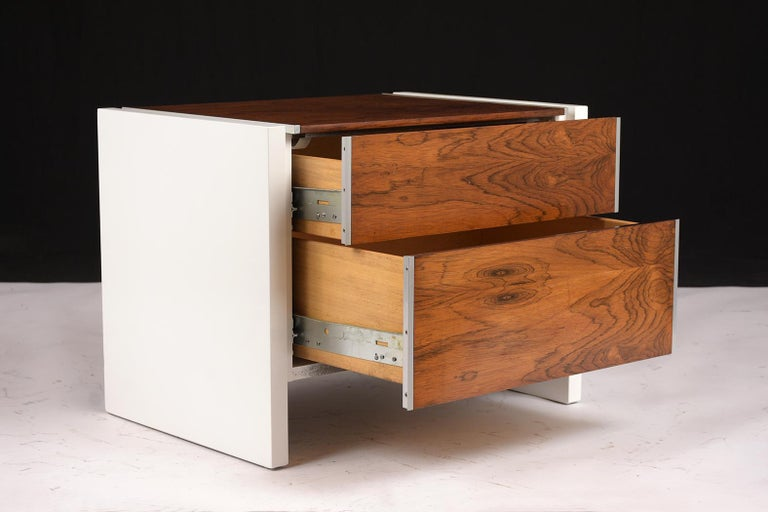 Rosewood Pair of White Lacquered Glenn California Nightstands For Sale