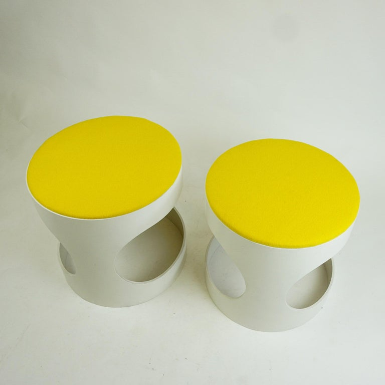 Pair of White Lacquered Plywood Stools by Opal Germany, 1960s In Good Condition For Sale In Vienna, AT