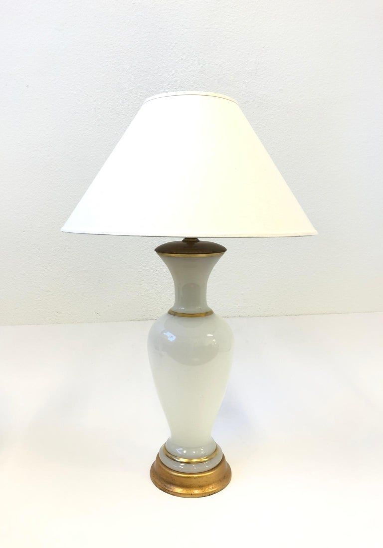 Pair of White Murano Glass and Brass Table Lamps by Marbro In Good Condition For Sale In Palm Springs, CA