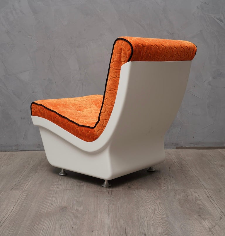 Pair of White Resin Plastic and Orange Velvet Armchairs, 1960 In Good Condition For Sale In Rome, IT