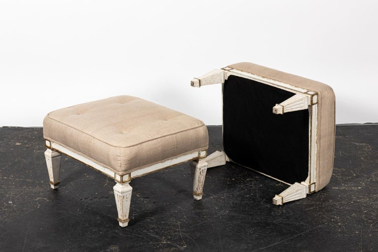 Painted Pair of White Upholstered Benches with Tufted Seats For Sale