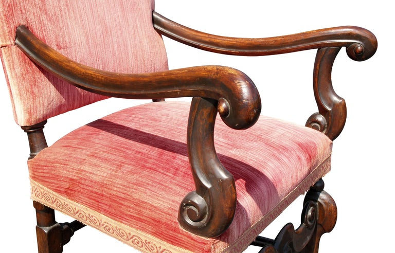 European Pair of William and Mary Style Walnut Armchairs For Sale