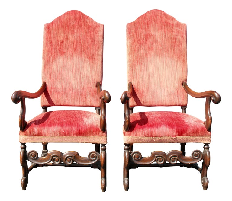 Late 17th Century Pair of William and Mary Style Walnut Armchairs For Sale