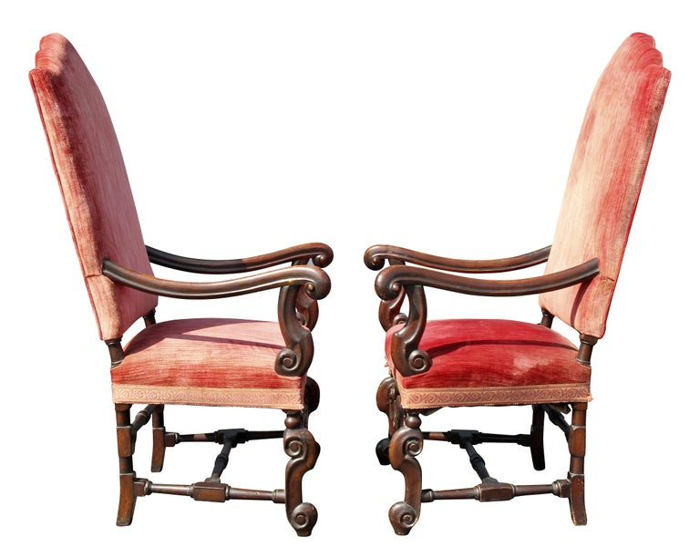Pair of William and Mary Style Walnut Armchairs For Sale 3