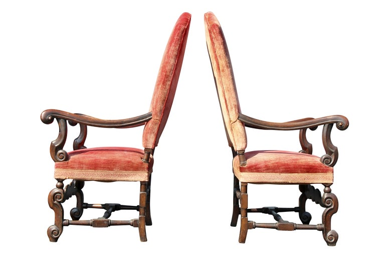 Pair of William and Mary Style Walnut Armchairs For Sale 4
