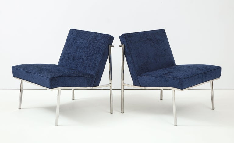 Mid-Century Modern Pair of William Armbruster Lounge Chairs For Sale
