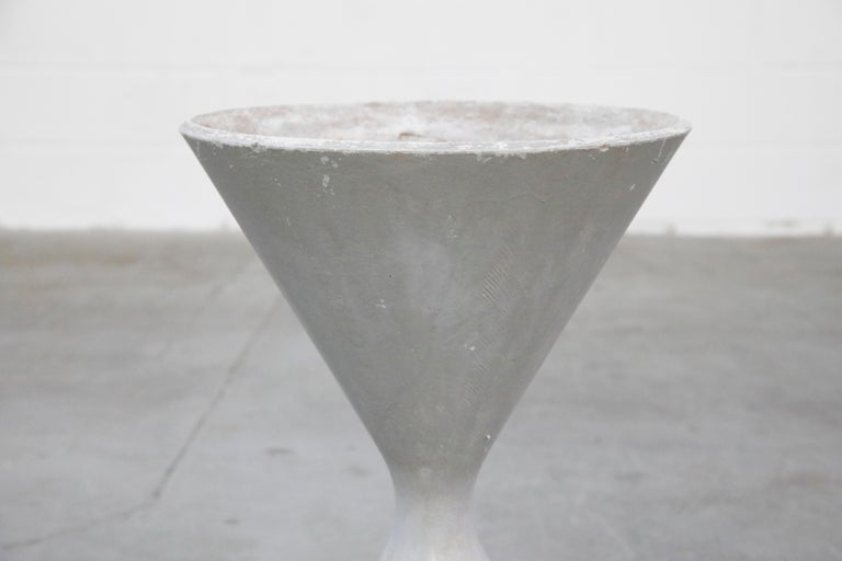 Pair of Willy Guhl for Eternit 'Diablo' Hourglass Concrete Planters, Signed For Sale 4