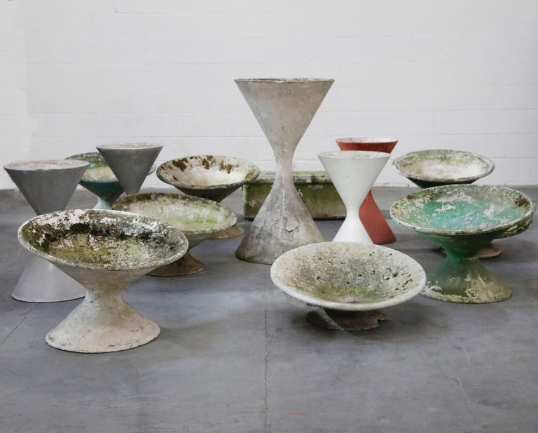 Pair of Willy Guhl for Eternit 'Diablo' Hourglass Concrete Planters, Signed For Sale 12