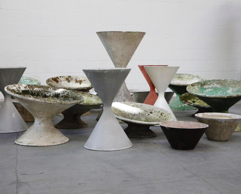 Pair of Willy Guhl for Eternit 'Diablo' Hourglass Concrete Planters, Signed For Sale 14