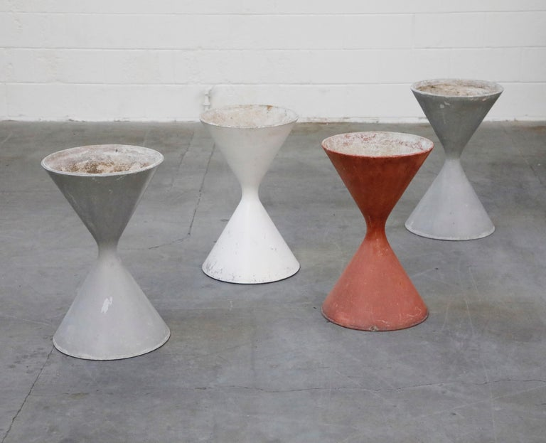 Swiss Pair of Willy Guhl for Eternit 'Diablo' Hourglass Concrete Planters, Signed For Sale