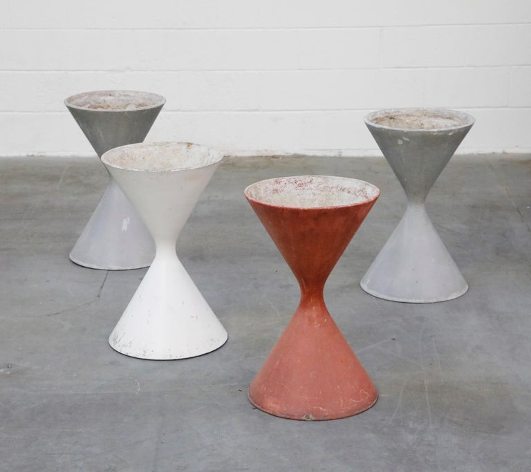Pair of Willy Guhl for Eternit 'Diablo' Hourglass Concrete Planters, Signed In Good Condition For Sale In Los Angeles, CA