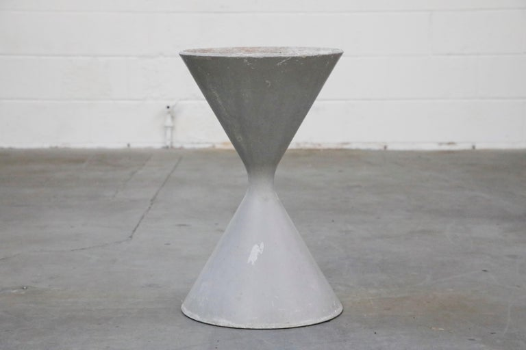 Pair of Willy Guhl for Eternit 'Diablo' Hourglass Concrete Planters, Signed For Sale 3