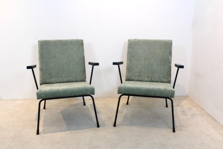 20th Century Pair of Wim Rietveld No. 1407 Lounge Chairs for Gispen