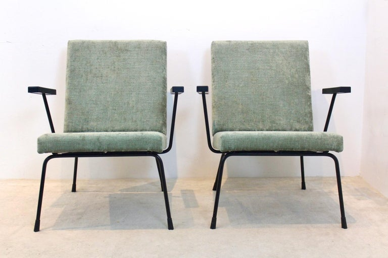 Upholstery Pair of Wim Rietveld No. 1407 Lounge Chairs for Gispen
