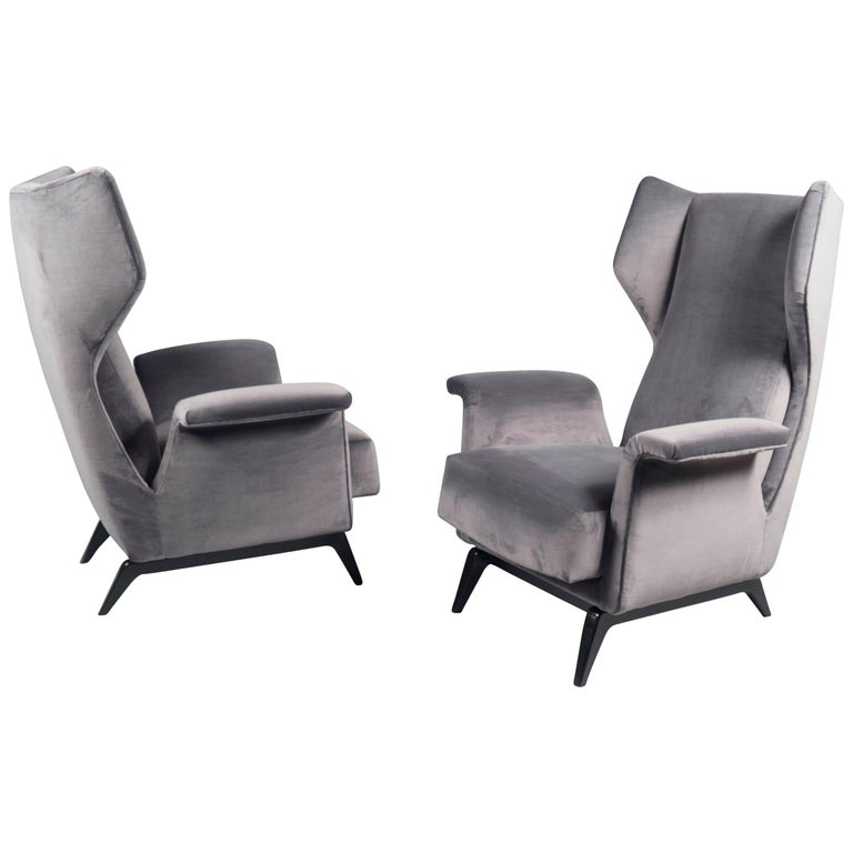 Wingback armchairs, 1950s, offered by Bernd Goeckler