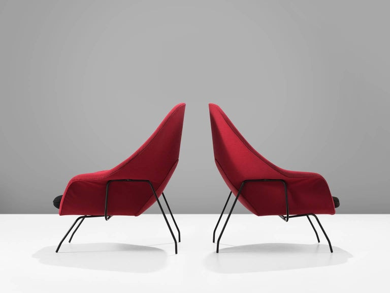 American Pair of Womb Chairs by Eero Saarinen for Knoll For Sale