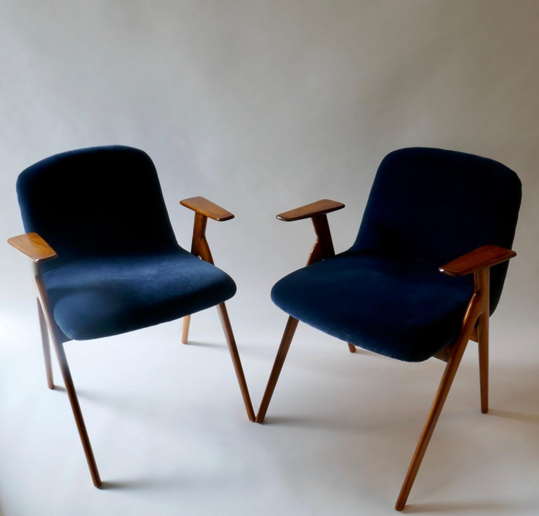 Pair of  Wood and Blue Velvet Armchairs, Italy, 1960s For Sale 5