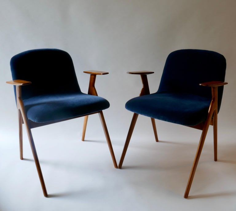 Pair of  Wood and Blue Velvet Armchairs, Italy, 1960s For Sale 6