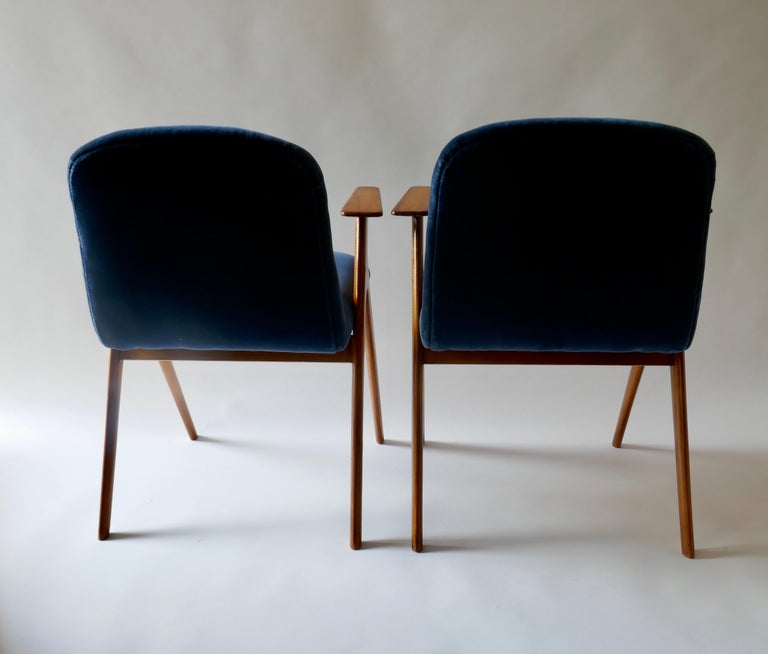 Pair of  Wood and Blue Velvet Armchairs, Italy, 1960s For Sale 1