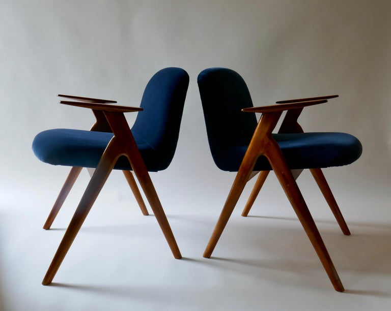 Pair of  Wood and Blue Velvet Armchairs, Italy, 1960s For Sale 2
