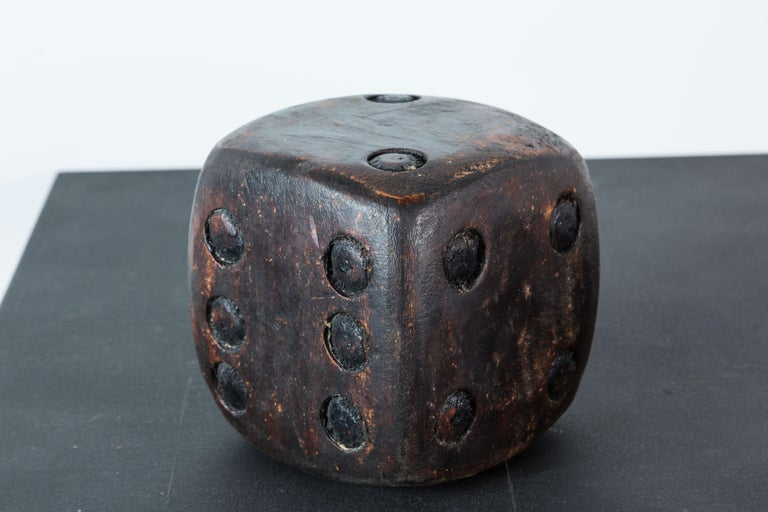 Pair of Wood Carved American Folk Art Dice In Good Condition For Sale In Santa Monica, CA
