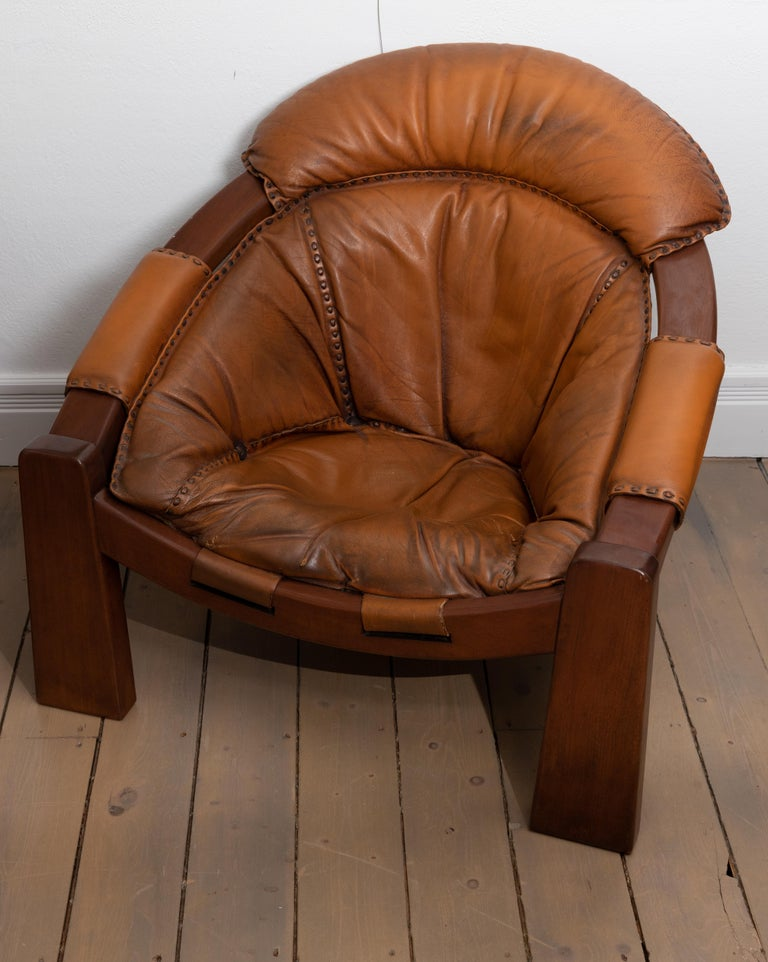 20th Century Pair of Wood Frame and Leather Armchairs For Sale