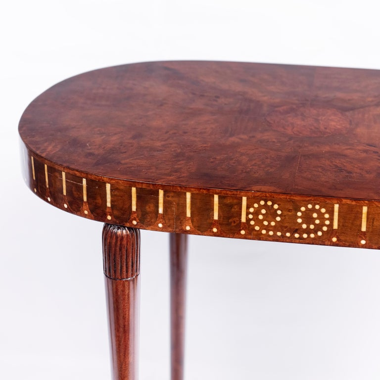 Pair of Wood Side Tables, Art Deco Style, France, circa 1930 In Good Condition For Sale In Buenos Aires, Buenos Aires