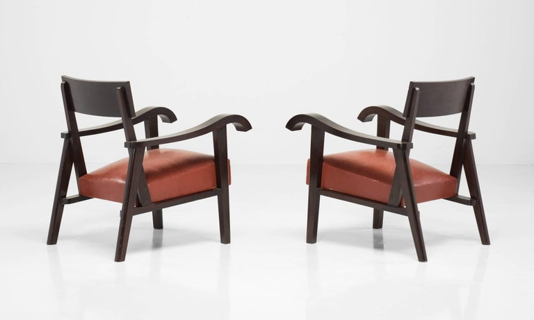 Great Britain (UK) Pair of Wood Slab and Red Leather Armchairs For Sale