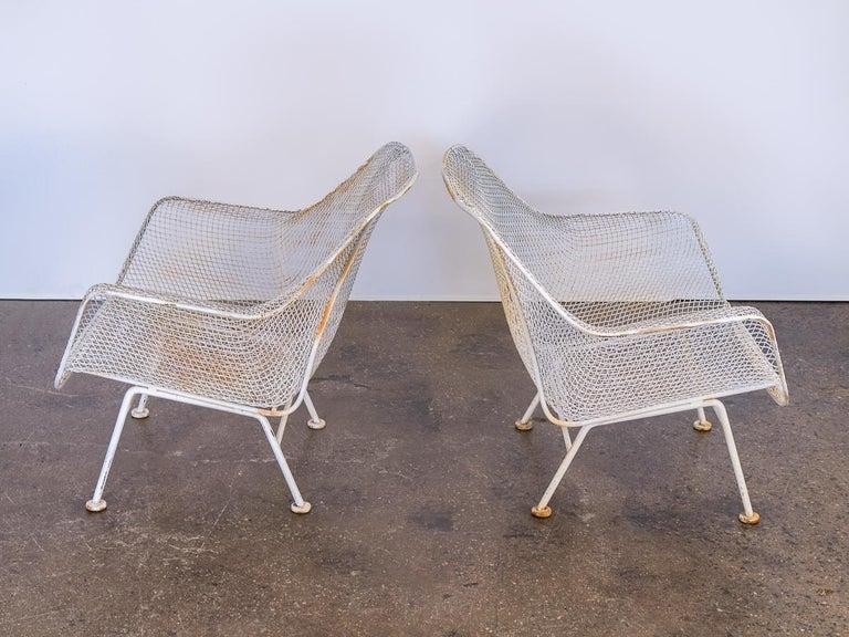 Mid-Century Modern Pair of Woodard Sculptura Garden Lounge Chairs For Sale