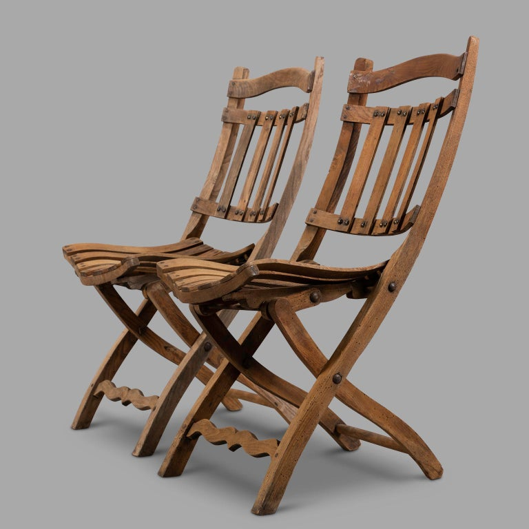Pair of Wooden Folding Chairs, circa 1900 In Good Condition For Sale In Saint-Ouen, FR