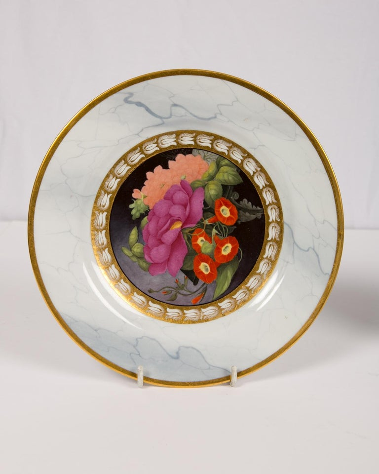 Neoclassical Pair of Worcester Marbled Plates with Flowers Made in England circa 1810 For Sale