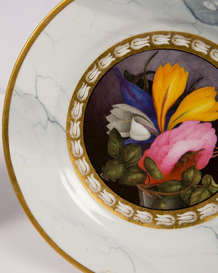 Pair of Worcester Marbled Plates with Flowers Made in England circa 1810 In Excellent Condition For Sale In Katonah, NY
