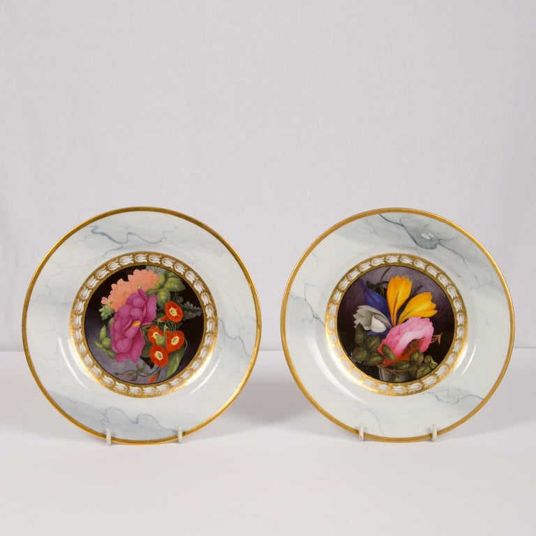 Porcelain Pair of Worcester Marbled Plates with Flowers Made in England circa 1810 For Sale