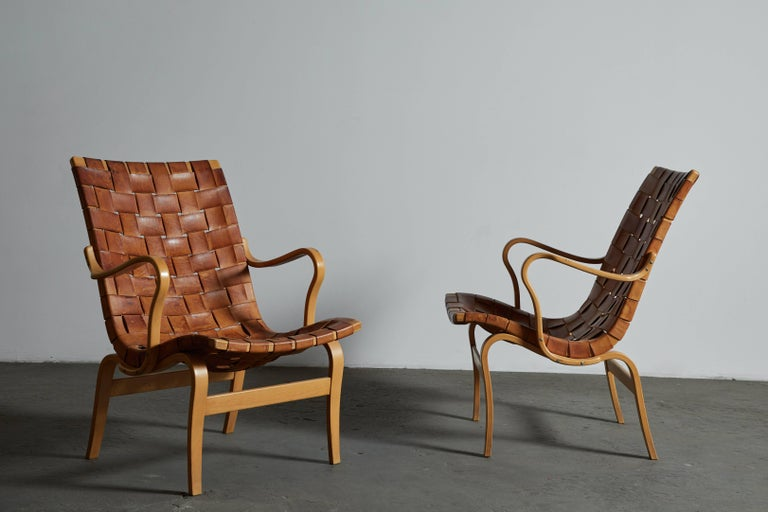 Pair of Woven Leather Eva Chairs by Bruno Mathsson In Excellent Condition For Sale In Los Angeles, CA