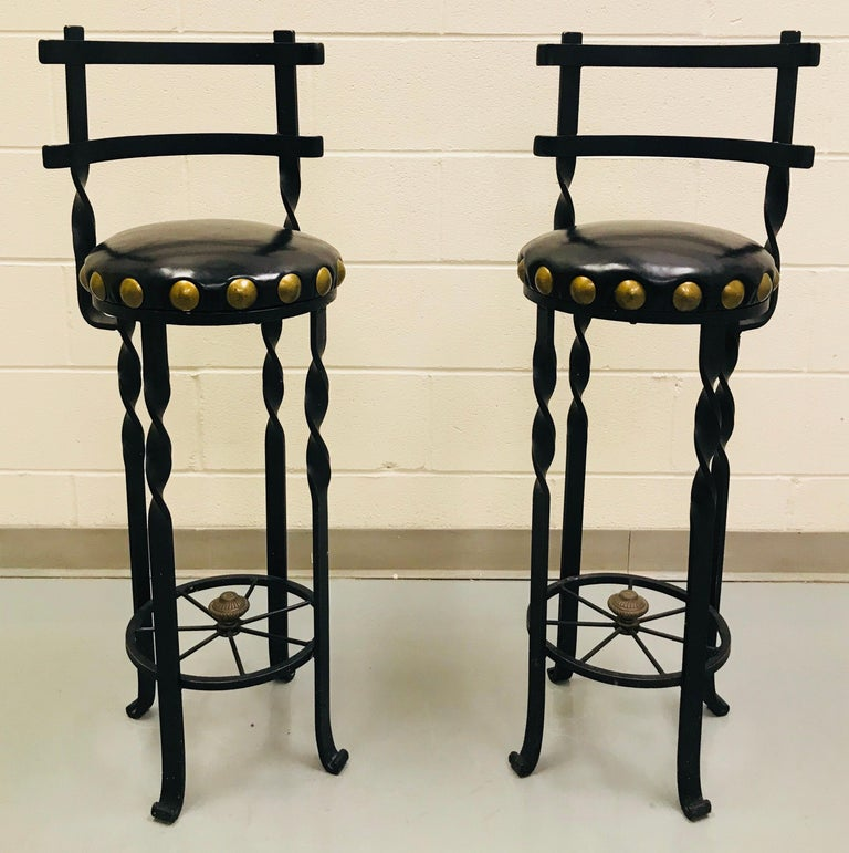 Pair of Wrought Iron Bar or Counter Stools In Good Condition For Sale In Lake Success, NY