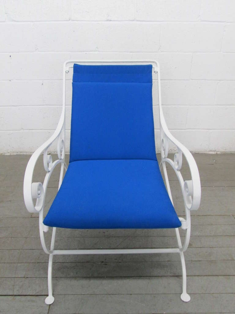 Mid-Century Modern Pair of Wrought Iron Lounge Chairs For Sale