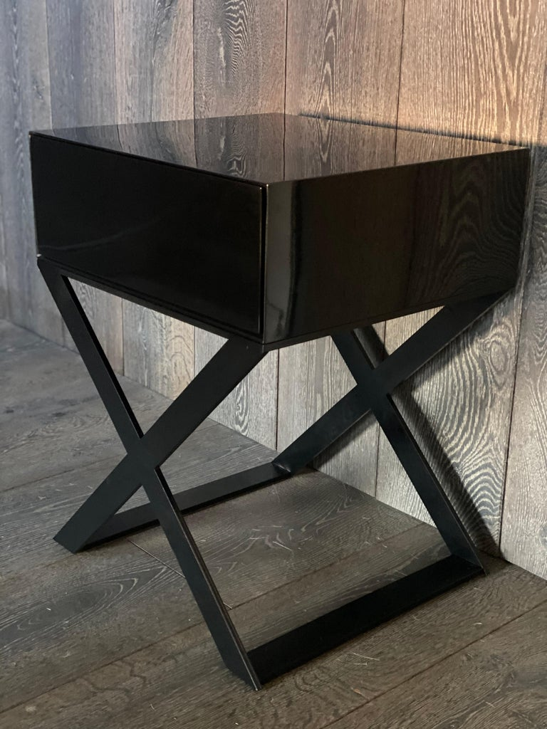 Art Deco Pair of X-Leg Bedside Table in Black Lacquered and Black Steel Legs For Sale