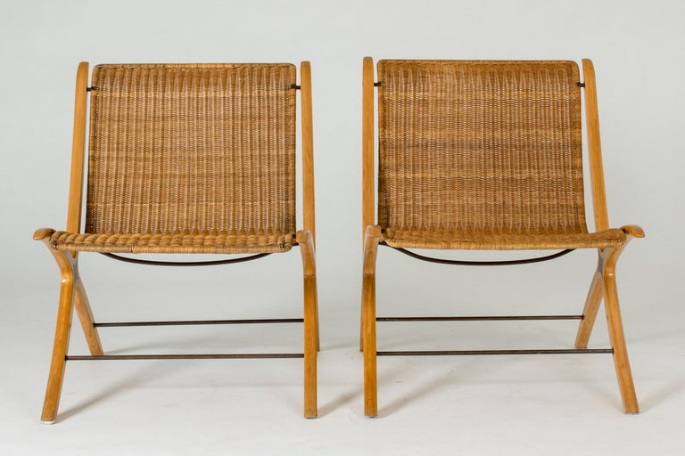 """Danish Pair of """"X"""" lounge chairs by Peter Hvidt and Orla Møllgaard For Sale"""