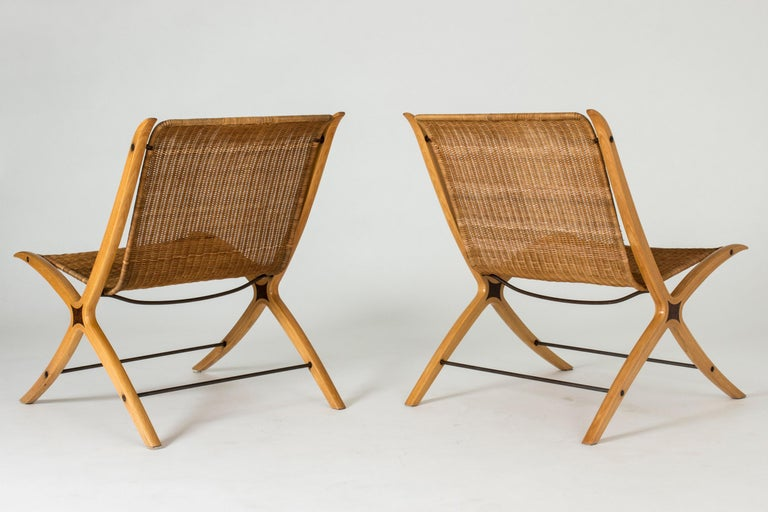 """Pair of """"X"""" lounge chairs by Peter Hvidt and Orla Møllgaard In Good Condition For Sale In Stockholm, SE"""