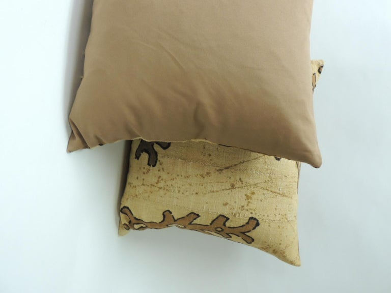 Tribal Pair of Yellow and Brown African Mud Cloth Decorative Pillows For Sale