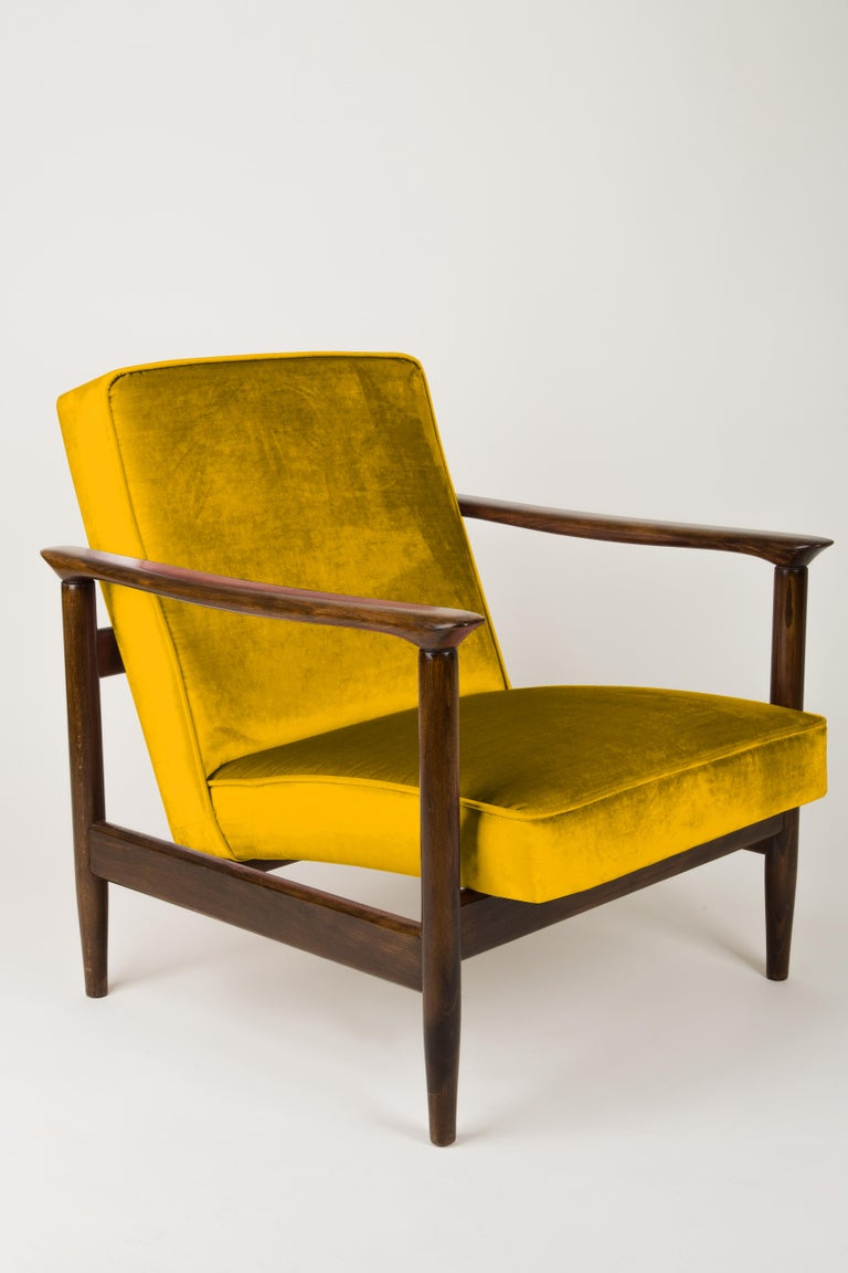 Mid-Century Modern Pair of Yellow Armchairs, Edmund Homa, GFM-142, 1960s, Poland For Sale