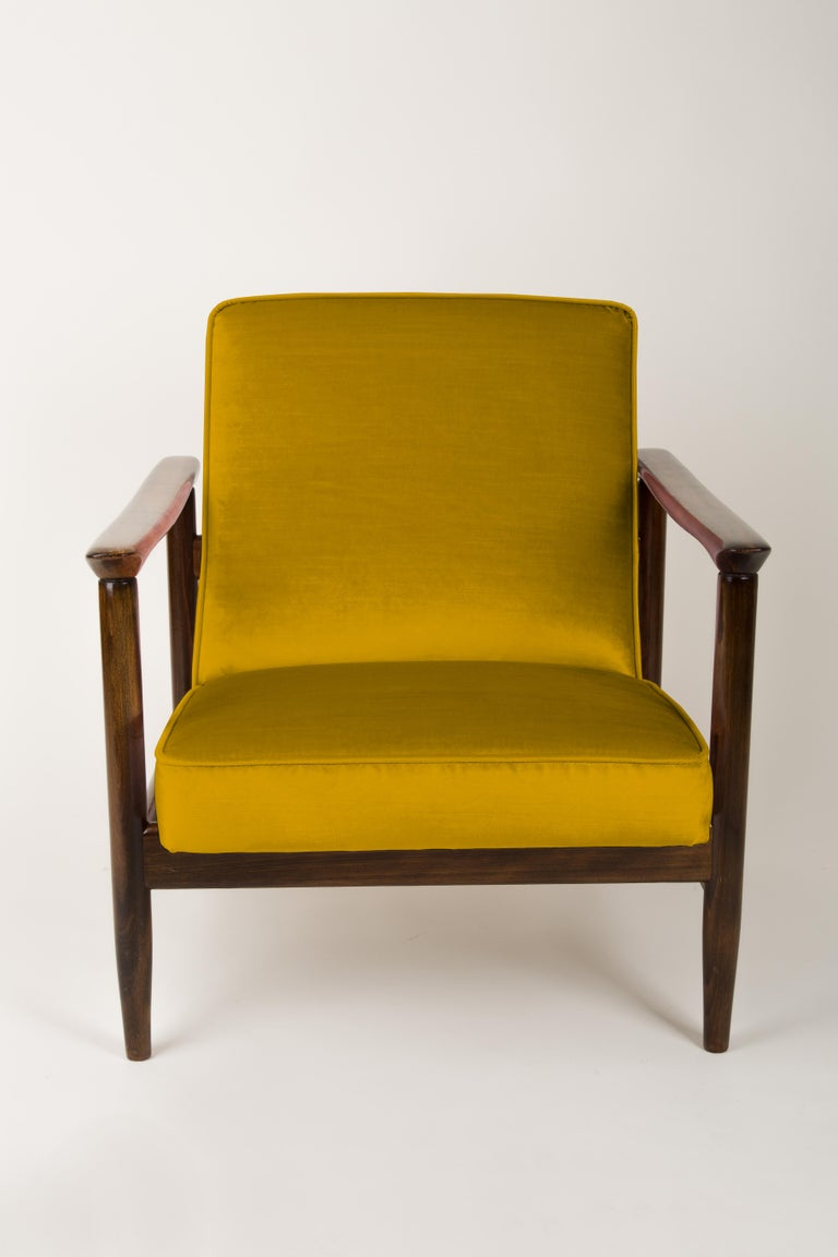 Pair of Yellow Armchairs, Edmund Homa, GFM-142, 1960s, Poland In Excellent Condition For Sale In 05-080 Hornowek, PL