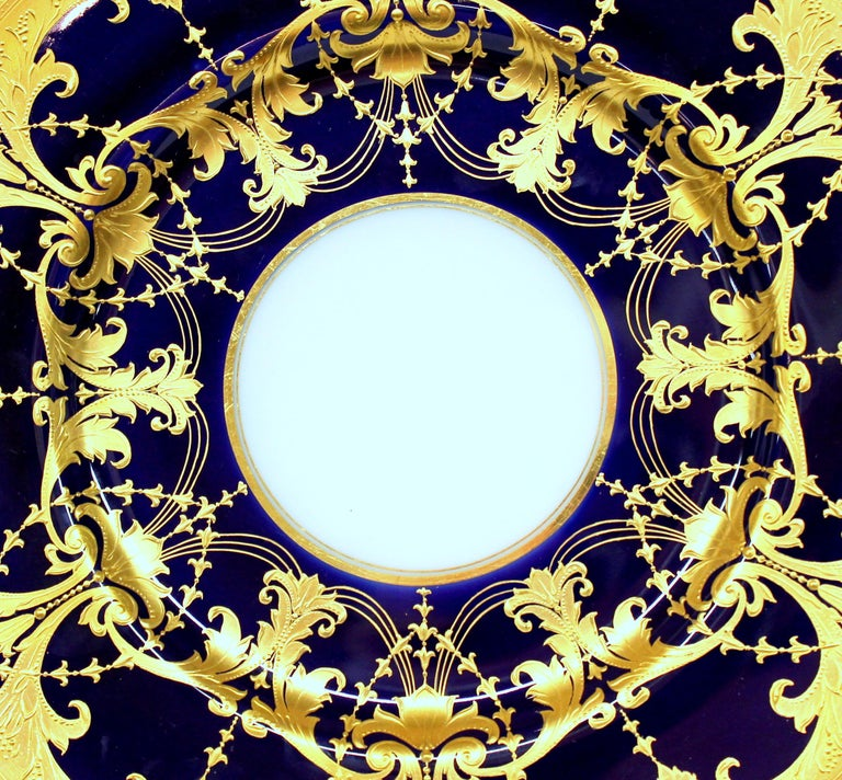 Pair of Old Minton Hand Gilt and Cobalt Porcelain Cabinet Plates For Sale 7