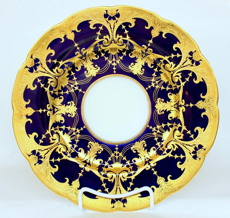 Pair of Old Minton Hand Gilt and Cobalt Porcelain Cabinet Plates For Sale 2