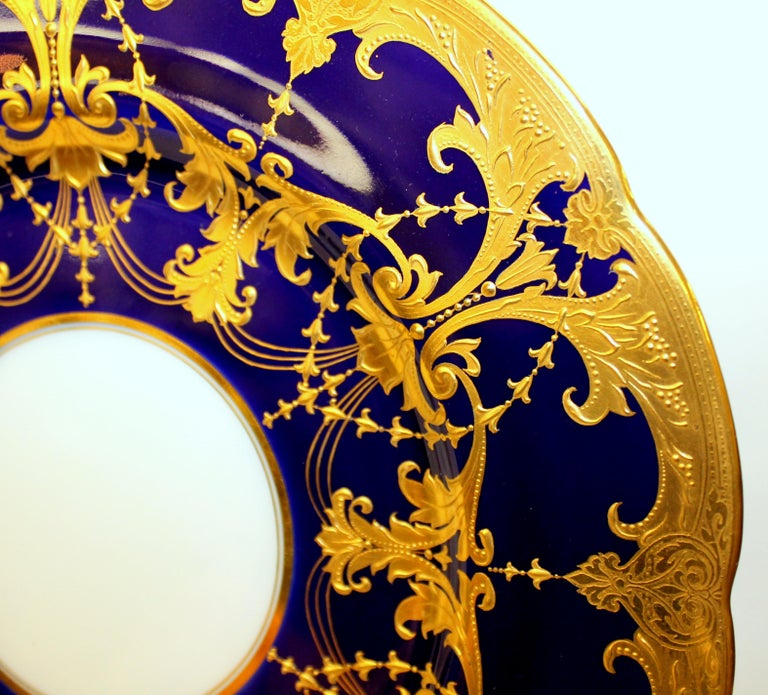 Pair of Old Minton Hand Gilt and Cobalt Porcelain Cabinet Plates For Sale 3